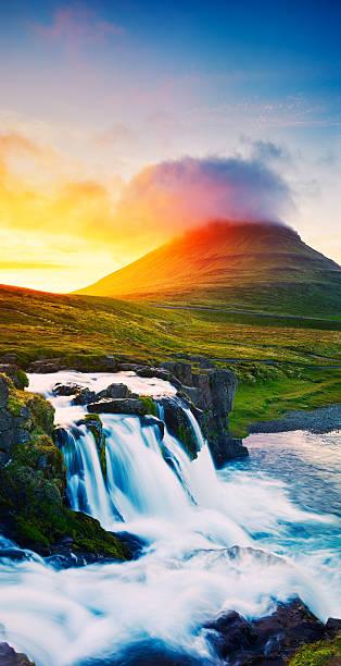 Sunset-Wasserfall – Foto