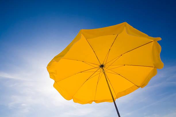 Parasol en el cielo - foto de stock