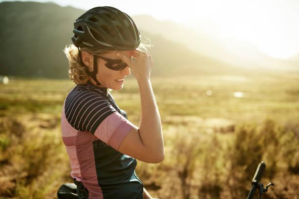 Sonnenschein kann eine mögliche Ursache für Kopfschmerzen sein – Foto