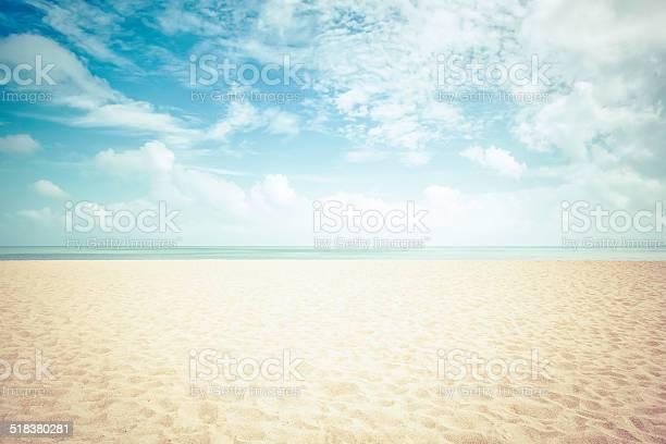 Sunshine on empty beach vintage look picture id518380281?b=1&k=6&m=518380281&s=612x612&h=2 vkkstbidzfhbuc zid25kxlp e5i 5n qrydgjet4=
