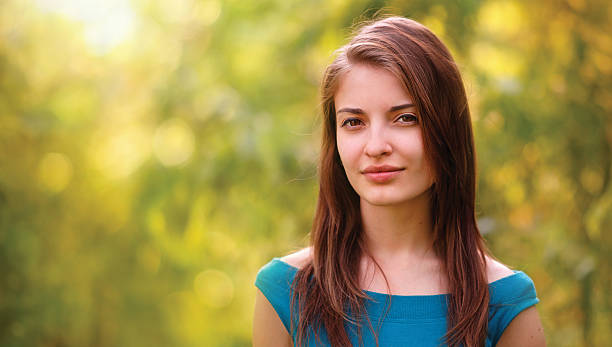 sunshine portrait - portait background stockfoto's en -beelden