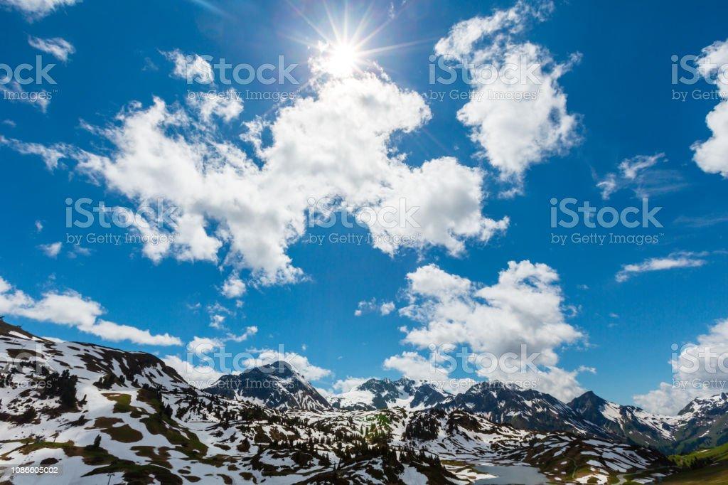 Sonniger Alpenblick (Vorarlberg, Österreich) – Foto