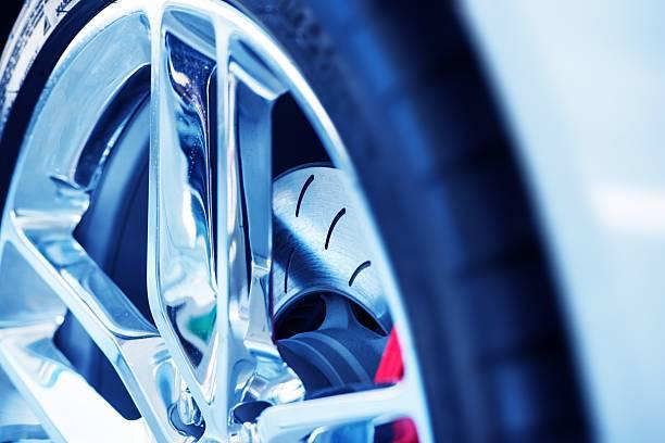 super auto-belüftung bremsen - alufelgen stock-fotos und bilder