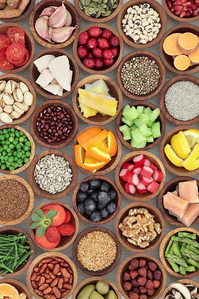 super dieta selección de alimentos - comida cruda fotografías e imágenes de stock