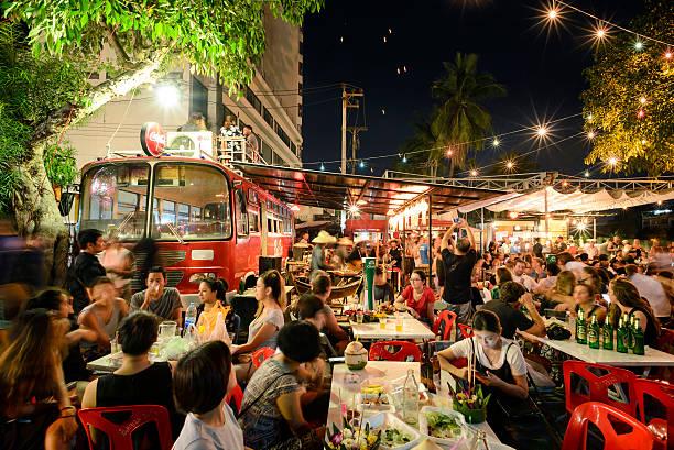 super fullmoon loi-krathong festival - eventos de gala - fotografias e filmes do acervo