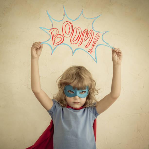 superhelden-kind - cartoon kostüme stock-fotos und bilder