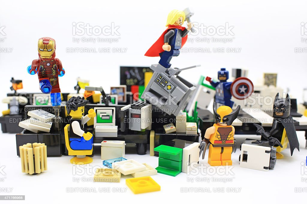 the avengers de escritório super-herói - foto de acervo