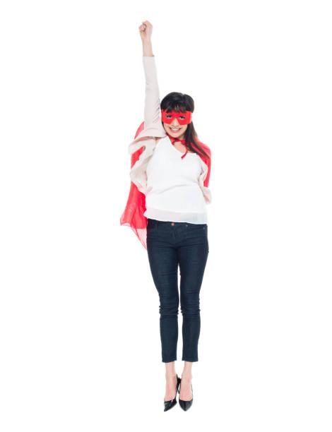 superhelden-frau in geschäftskleidung aktiv - damen umhänge stock-fotos und bilder