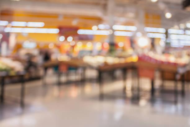 stormarknad med färsk mat abstrakt suddig bakgrund med bokeh ljus - dagligvaruhandel, hylla, bakgrund, blurred bildbanksfoton och bilder