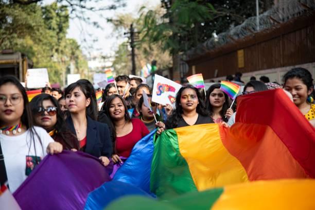 Unterstützer und Mitglieder der LGBTQI-Community während einer Queer Pride Parade – Foto