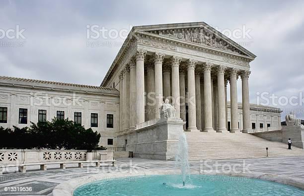 Supreme court building picture id613319536?b=1&k=6&m=613319536&s=612x612&h=8lz1mgdzntu4jvfrwgul71nqu29gcqqkux85exnlmvq=