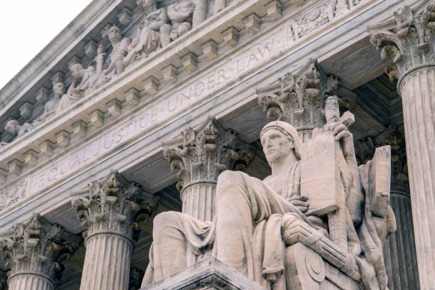 abd yüksek mahkeme binası, washington dc, abd, amerika - abd yüksek mahkemesi binası stok fotoğraflar ve resimler