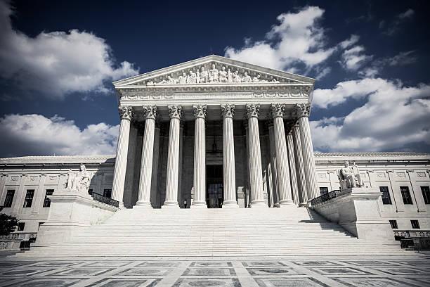 supreme court - abd yüksek mahkemesi binası stok fotoğraflar ve resimler