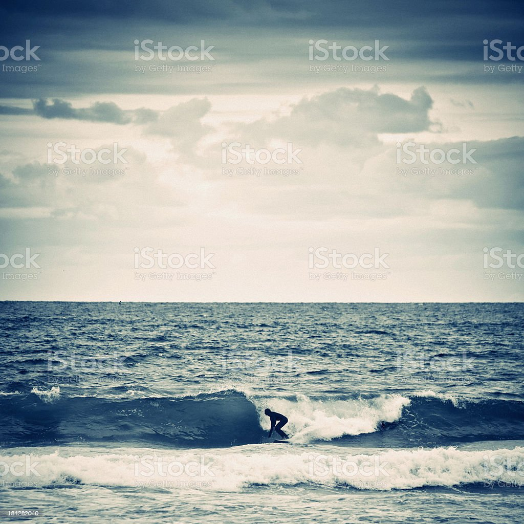 Surfer en action. - Photo