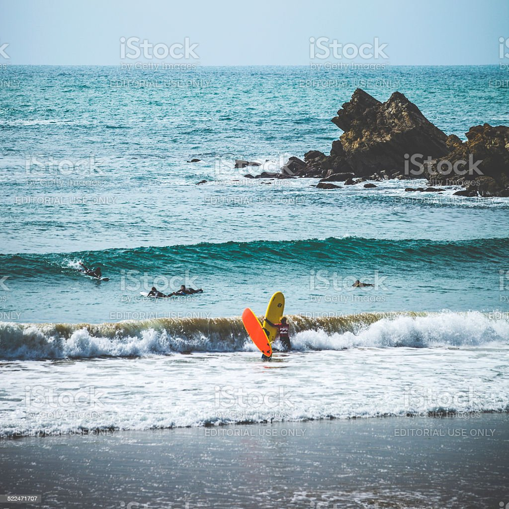 Surfeurs en action. - Photo
