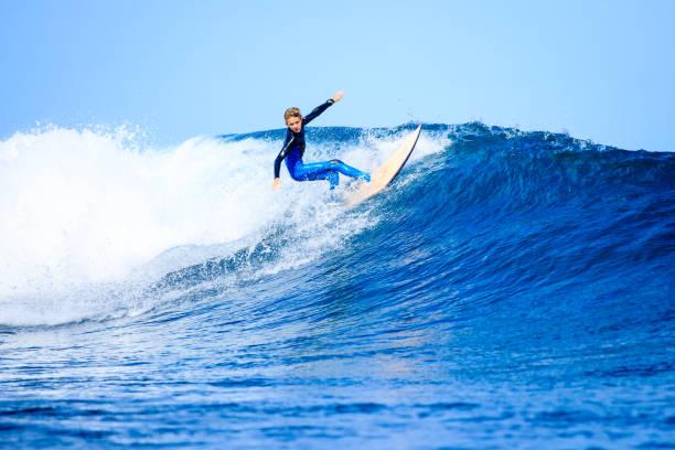 衝浪 - 滑浪 個照片及圖片檔