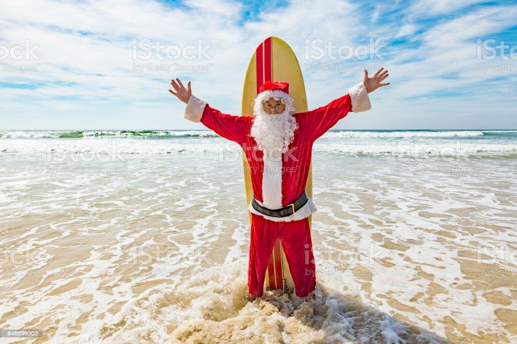 Christmas In Australia Santa.Surfing Santa Celebrating Summer Christmas At The Beach