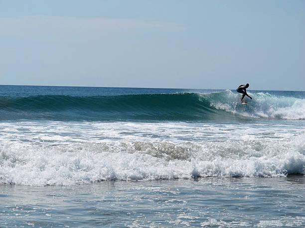surfen wellen in das meer. - nicaragua stock-fotos und bilder