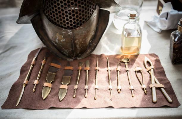 Chirurgische Instrumente im alten Rom für Gladiatoren-Behandlung – Foto