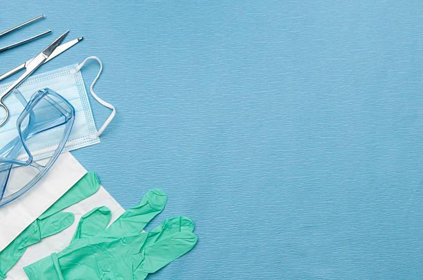surgical set up w/medical safety equipment - sjukvårdsrelaterat material bildbanksfoton och bilder