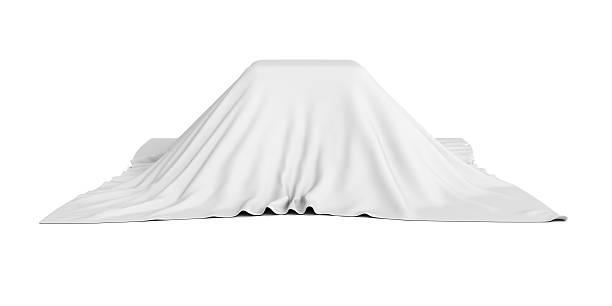 Überraschung Feld bedeckt mit weißen Tuch – Foto
