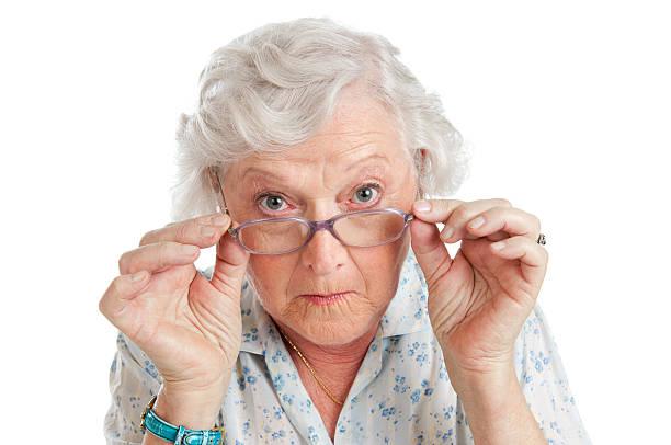 surpris ou surprise - seulement des femmes seniors photos et images de collection