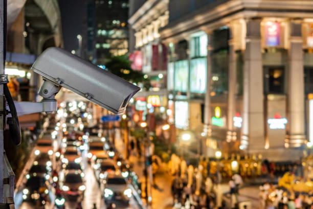 Überwachungskamera mit Blick auf die Busy Kreuzung, Bangkok, Thailand – Foto