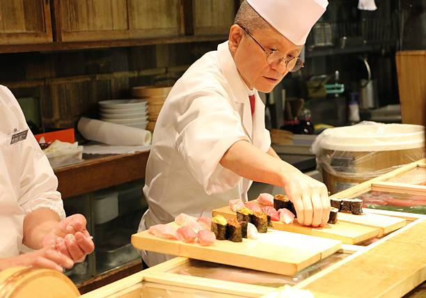 sushi chef at tsukiji - 吧 公共飲食地方 個照片及圖片檔