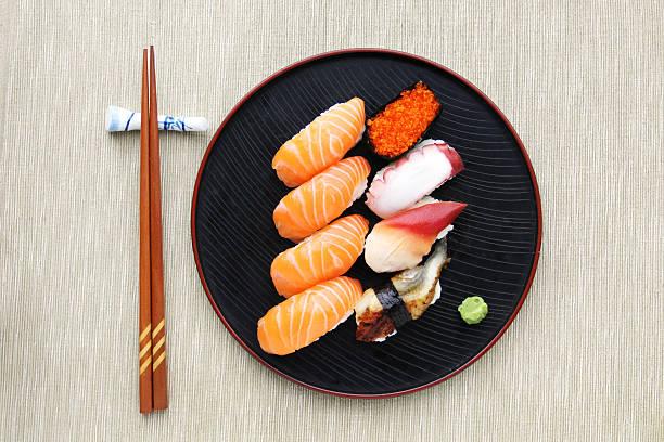 sushi meal top view - japanse gerechten stockfoto's en -beelden