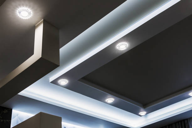 suspended ceiling and drywall construction in the decoration of - światło led zdjęcia i obrazy z banku zdjęć
