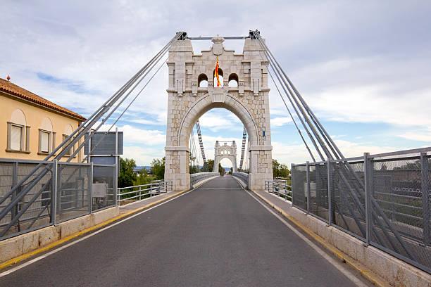 Puente colgante en Amposta - foto de stock