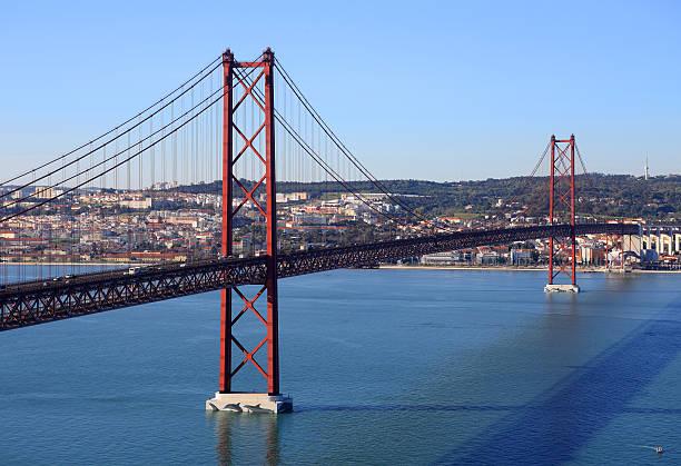 ponte suspensa, lisboa, portugal. - fotos de cristo rei lisboa imagens e fotografias de stock