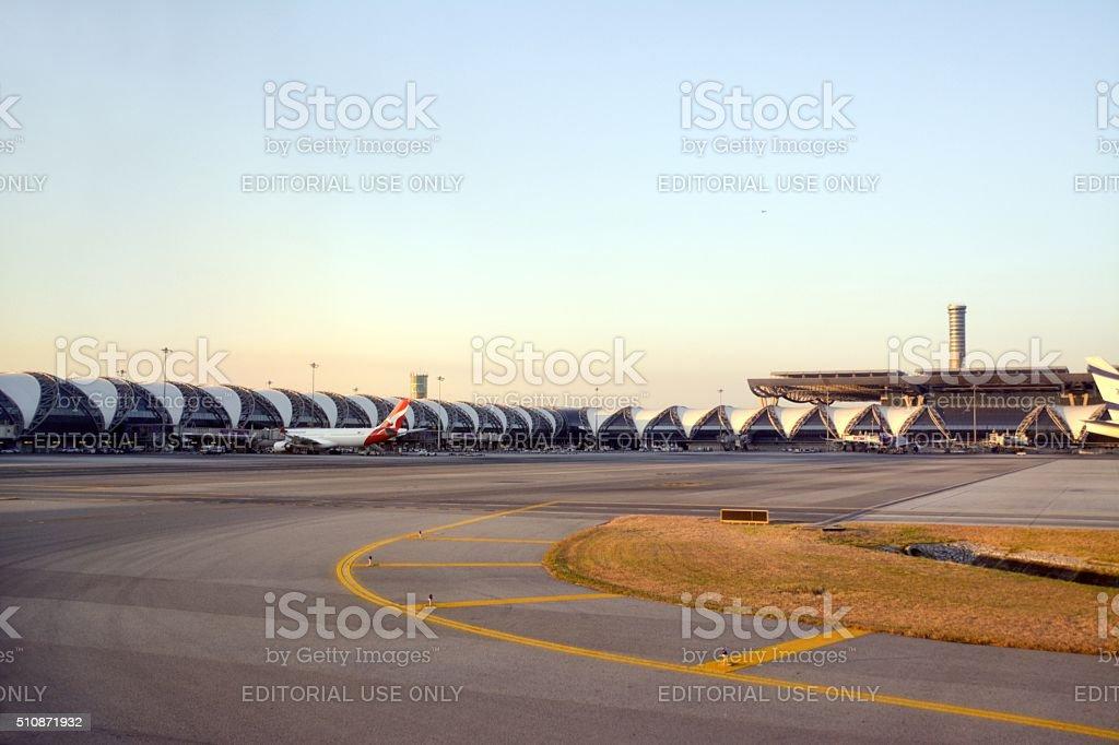Aeropuerto Suvarnabhumi de Bangkok - foto de stock