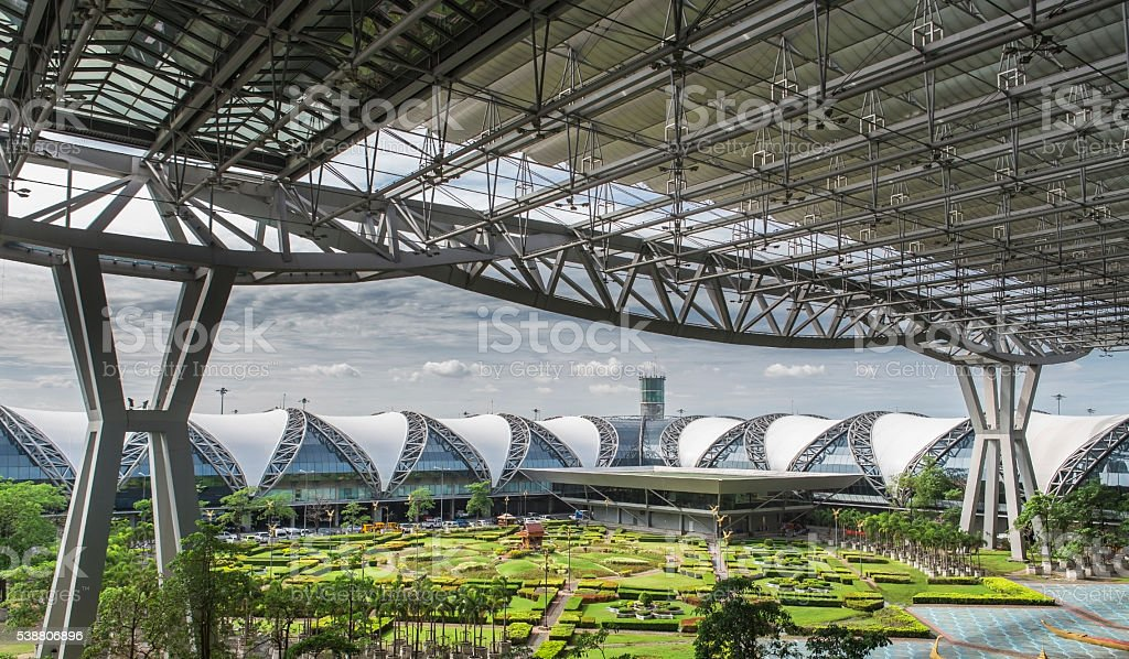 Aeropuerto Internacional Suvarnabhumi de Bangkok Tailandia - foto de stock
