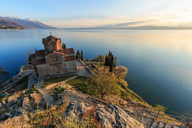 sveti (saint) jovan kaneo church on lake ohrid, macedonia - üsküp stok fotoğraflar ve resimler