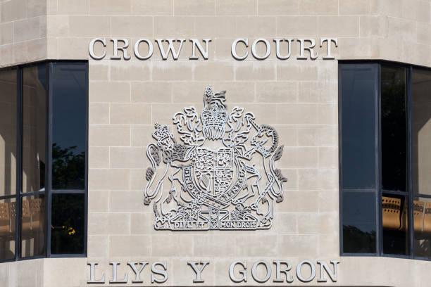 swansea crown court - dokumentation stock-fotos und bilder