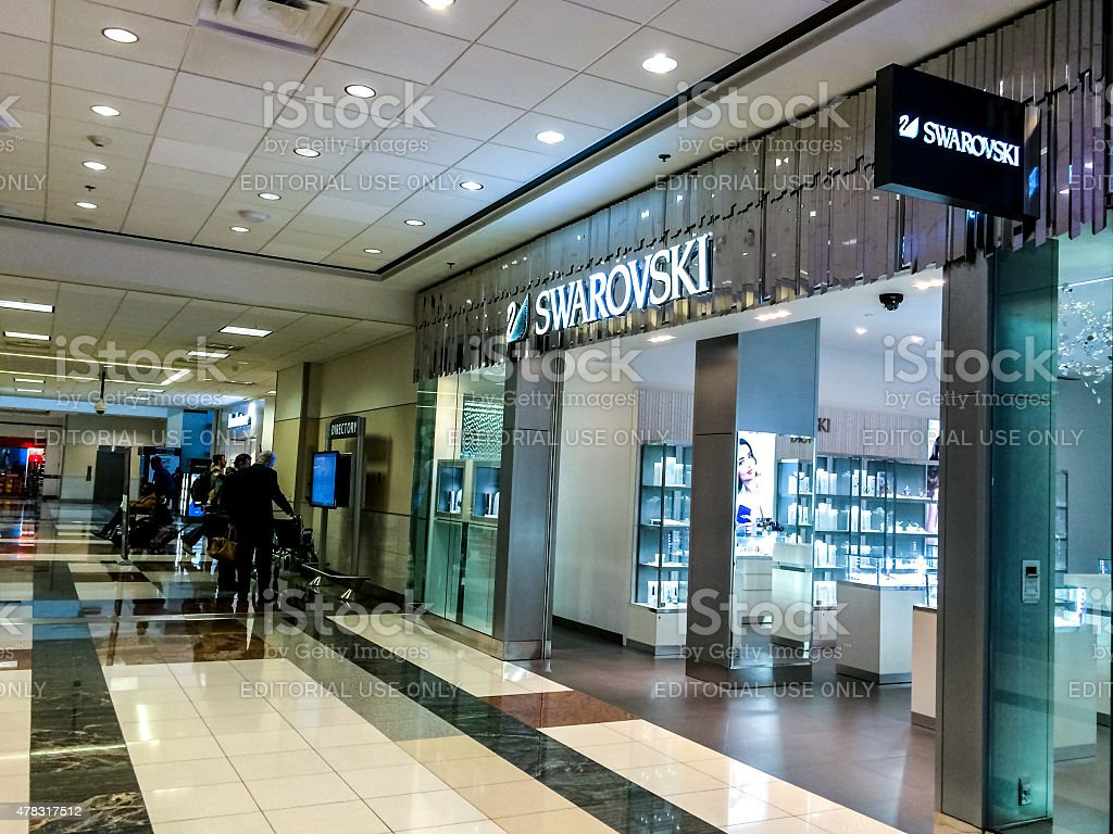 Swarovski online. Our Swarovski online page offers you useful information about this brand, which thus far you perhaps weren't able to find. You will learn about the Swarovski stores, their opening hours and you will even find here maps to the nearest stores.