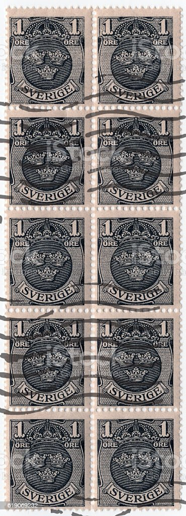 Sweden 1910 1 Ore Stamp with Coat of Arms stock photo