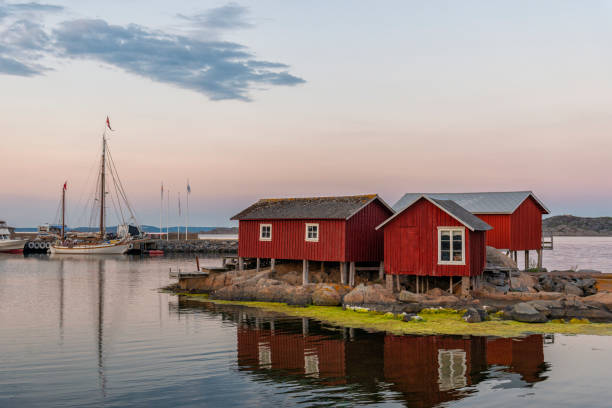 svenska kust hyddor - bohuslän nature bildbanksfoton och bilder