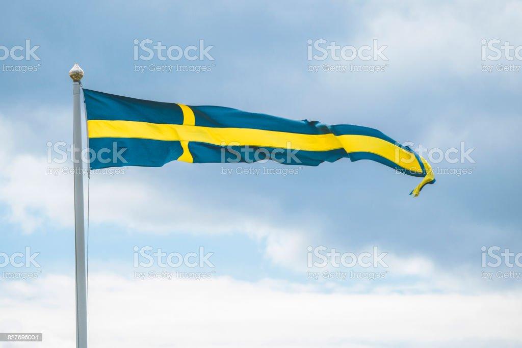 Schwedische Wimpel Flagge auf einem Fahnenmast im wind – Foto