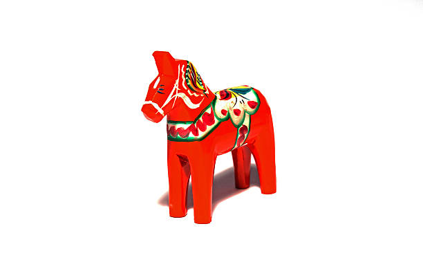 schwedische-symbol - dalarna pferd stock-fotos und bilder
