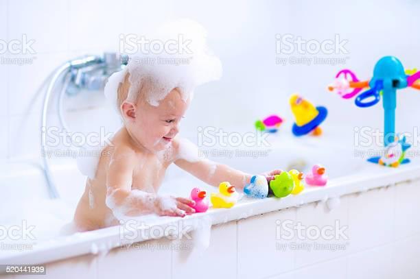 Sweet baby in bath picture id520441939?b=1&k=6&m=520441939&s=612x612&h=qglzemae9e6fsepkf nvge07ltqxjdiou28drmb qha=