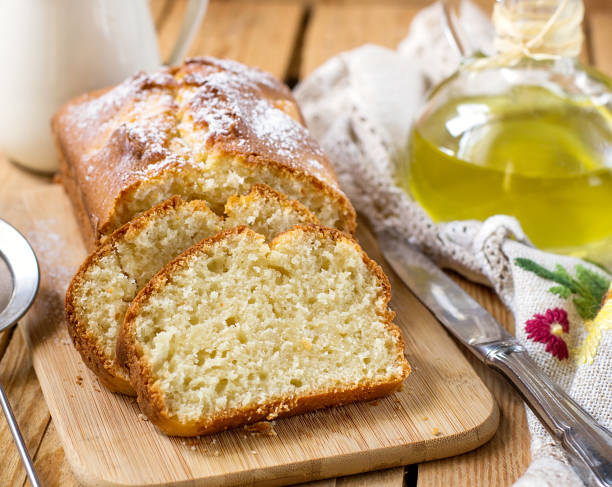 süße quark-ricotta-kuchen mit olivenöl - quark öl teig stock-fotos und bilder