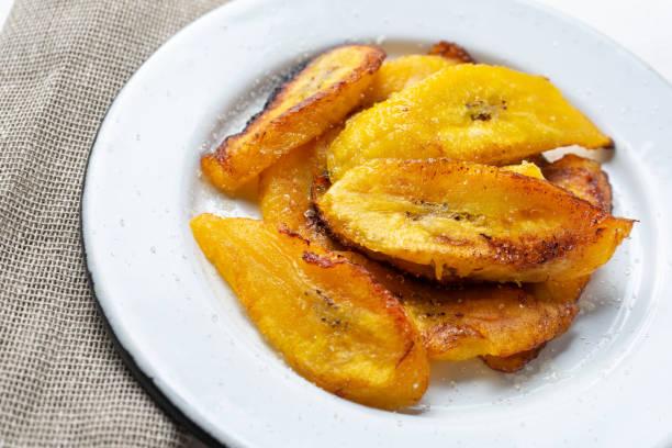 달콤한 바나나 튀김 - 플렌틴 바나나 뉴스 사진 이미지