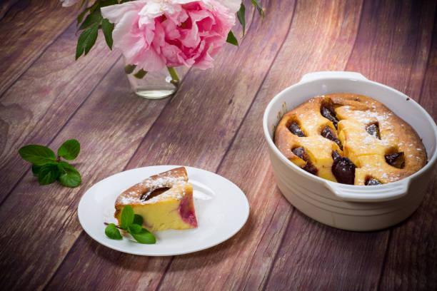 甜自製砂鍋與水果內在板圖像檔