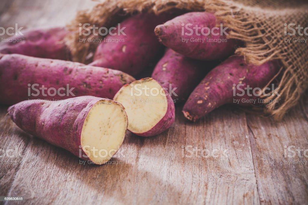Słodkie ziemniaki  - Zbiór zdjęć royalty-free (Bez ludzi)