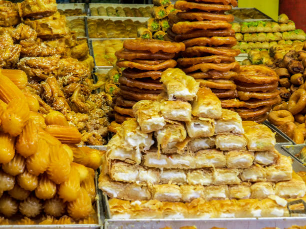 在特拉維夫的卡梅爾市場的甜店。圖像檔