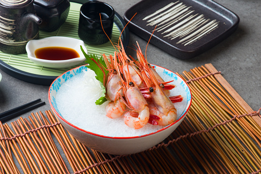 甘海老刺身 日本 - エビ料理のストックフォトや画像を多数ご用意