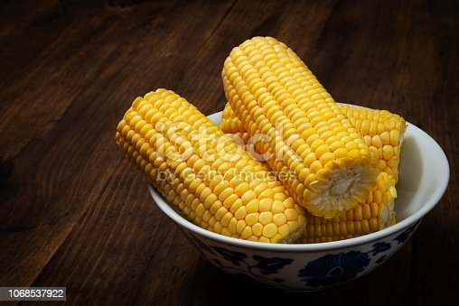 America is the homeland of corn, where it has been consumed for at least 7,000 years. The nomadic peoples who began to cultivate wild corn became sedentary and developed complex cultures.
