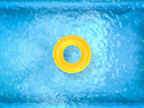 schwimmen, sonnen am pool mit blick auf - pool rund stock-fotos und bilder